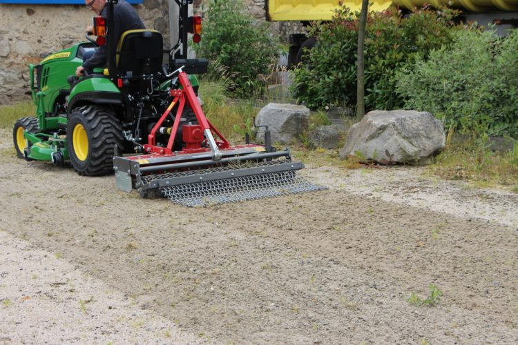 Désherbeuses pour sols stabilisés